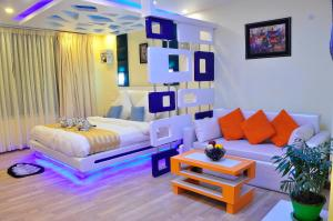 Royal Penguin Boutique Hotel & Spa 2