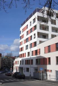 Leongargt Apartments