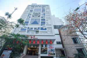 Photo of Den Long Do Hotel