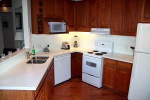 Two-Bedroom Apartment - 4201 Village Square
