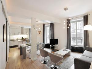 Sleek Apartments near Saint Germain