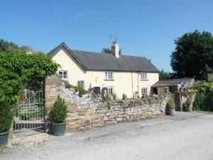 Oakenholt Farm Bed and Breakfast in Flint, Flintshire, Wales
