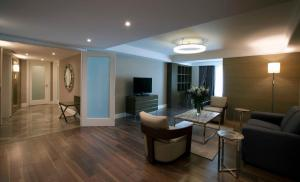Family Suite with Business Lounge Access