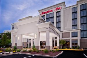 Photo of Hampton Inn Shelton