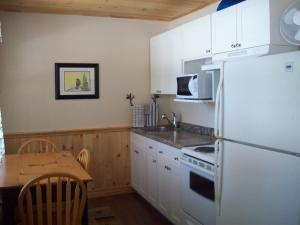 Cottage (5 Adults)