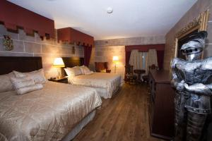 Deluxe Queen Suite with Two Queen Beds - Non-Smoking