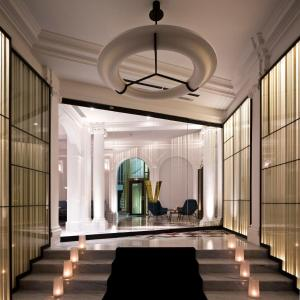 Hotel vernet review paris france travel for Top design hotels in paris
