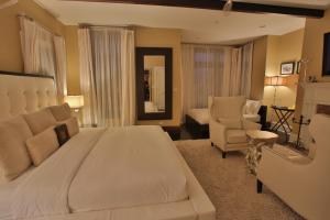 Deluxe Room with King Bed and Double Bed