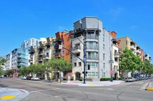 Amsi East Village Park Boulevard Two Bedroom Condo