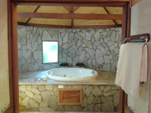 Deluxe Chalet with Hot Tub (2 Adults)