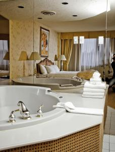 King Room with Hot Tub