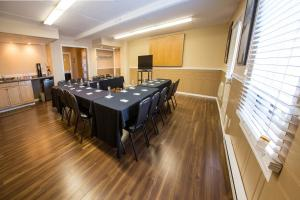 Chateau Regina Hotel and Suites, Hotels  Regina - big - 33