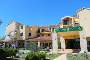 Photo of Hotel Vrata Krke