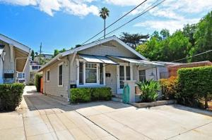 Amsi Hill Crest Comb One Bedroom House