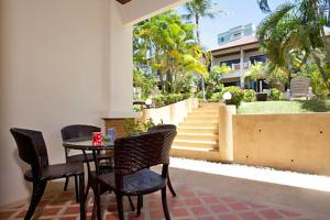 Meanam Hill Villas 9