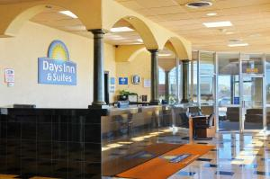 Photo of Days Inn & Suites Clovis