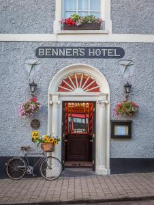 Photo of Dingle Benners Hotel