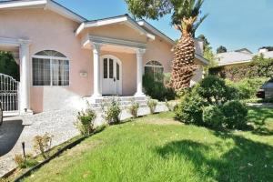 Three Bedroom House In Glendale