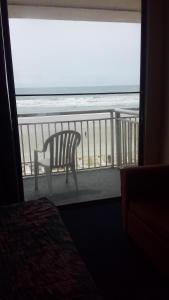 Studio with Two Double Beds - Ocean Front