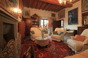 B&B Villa La Luna, Bed and Breakfasts  Troghi - big - 9