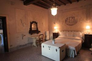 B&B Villa La Luna, Bed and Breakfasts  Troghi - big - 14