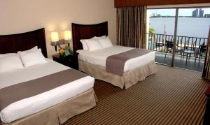 Queen Room with Two Queen Beds with Balcony - Non smoking