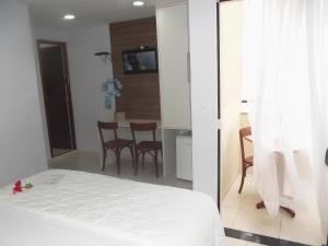 Deluxe Room with Sea View and Balcony