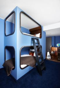Standard Double Cabin with Bunkbed