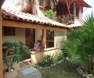 Photo of El Jardin Zipolite Bungalows