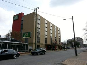 Photo of Guest House Inn & Suites Nashville/Vanderbilt