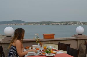 Photo of Ayvalik Palas Hotel