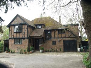 Yew Tree Guest House in Horley, Surrey, England