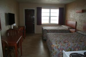 Double Room with Balcony or Patio and Kitchen - Ocean Front