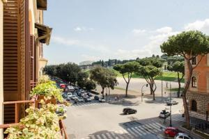 Photo of Near Colosseum   Circus Maximus View