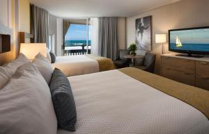 Deluxe Queen Room with Two Queen Beds-Partial Ocean View