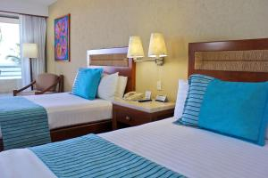Superior Double Room Ocean Front Club Premium