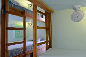 Single Bed in 8-Bed Dormitory Room with Shared BathRoom