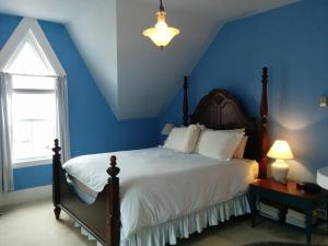 Photo of Fairmont House Bed & Breakfast
