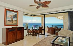 Luxury Two-Bedroom Apartment with Oceanfront View