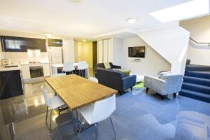 Photo of Astina Serviced Apartments   Parkside