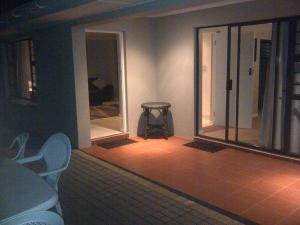 Bunkers Self Catering, Apartmány  East London - big - 4