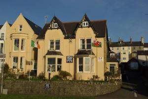 Photo of Menai Bank Hotel