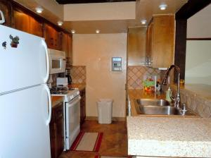 Photo of Two Bedroom Premier Unit #59 By Escape For All Seasons