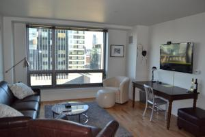 Kensington Luxury 17th Floor 1 Bed Apartment By Spare Suite