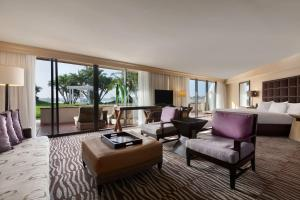 Junior King Suite with Bay View