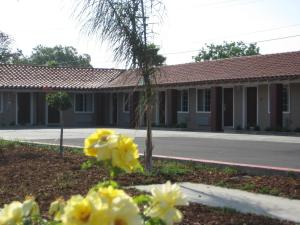 Photo of Americas Best Value Inn   Porterville