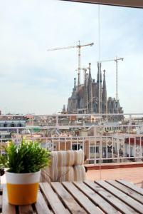 Foto Bird House Sagrada Familia