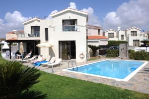 Photo of Platzia Beach Villas