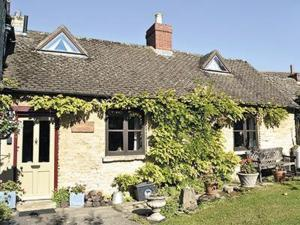 Picket Piece Cottage in Chadlington, Oxfordshire, England