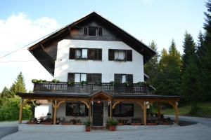 Photo of Guest House Kmečki Hram